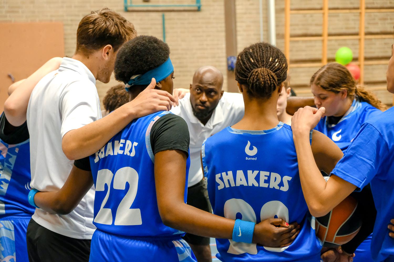 Voorkom uitval onder jongeren door coaches als positief rolmodel