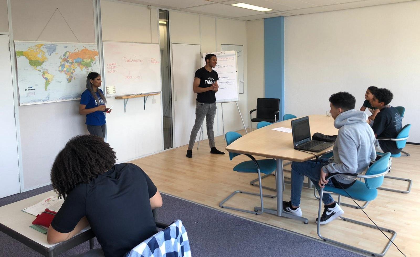 YETS Foundation vindt nieuwe manieren om jongeren te begeleiden in Coronatijd